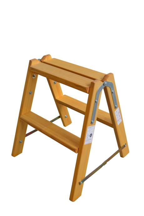 Saw-horse - Narrow - 2 rungs: Laminated stiles made of pine - 80mm wide, non-slip rungs with support made of ash - Treated to prevent rot and fungus. 80 mm wide, non-slip rungs - laminated stiles
