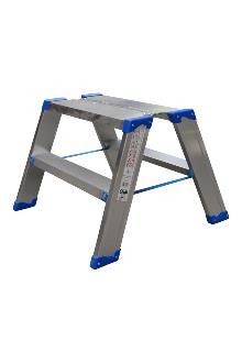 Wide saw-horse 2 x 2 steps - Lightweight and stable - Platform dimensions: 25 x 60 cm