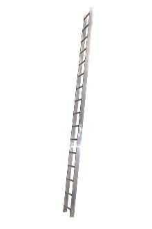 Roof ladder 5 m - The roof ladder can be used loose or it can be attached where required by law. The tall profile of the stiles provides plenty of space between the rungs and the roof. Outer width: 37 cm - Rung width: 30 cm - Stile height: 75 mm