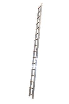 Roof ladder 6 m - The roof ladder can be used loose or it can be attached where required by law. The tall profile of the stiles provides plenty of space between the rungs and the roof. Outer width: 37 cm - Rung width: 30 cm - Stile height: 75 mm