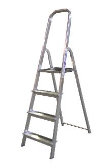 Front step ladder 4 rungs - A good front step ladder for the home or light work. The step ladder has non-slip rungs and a 60 cm high hanger.
