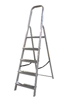 Front step ladder 5 rungs - A good front step ladder for the home or light work. The step ladder has non-slip rungs and a 60 cm high hanger.